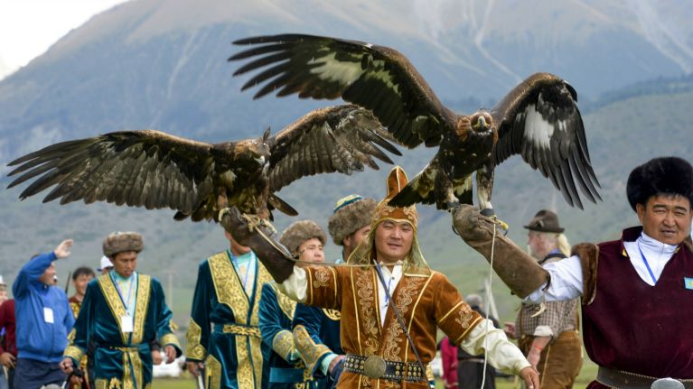 090616-BUZZER-World-Nomad-Games-opening-ceremony-hawks-PI.vadapt.767.high.25
